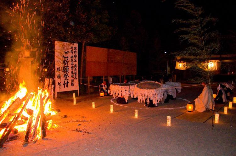 庭神事(春日神社)