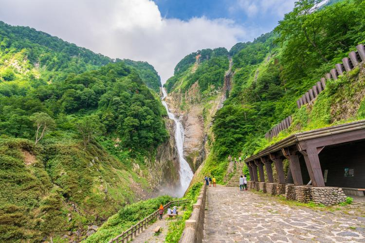称名滝(立山黒部)