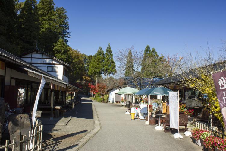 加賀 伝統工芸村ゆのくにの森