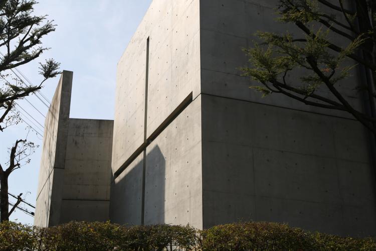 光の教会(茨木春日丘教会)